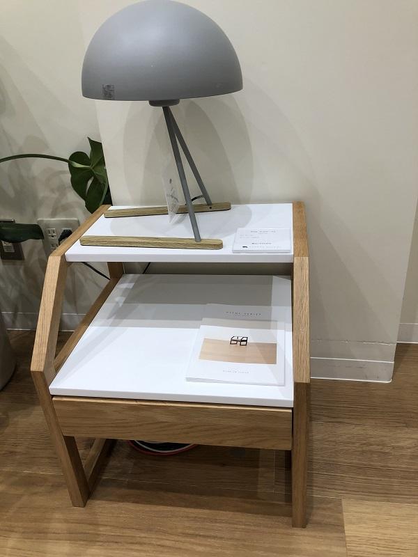 高野木工ピトルというシリーズのサイドテーブル
