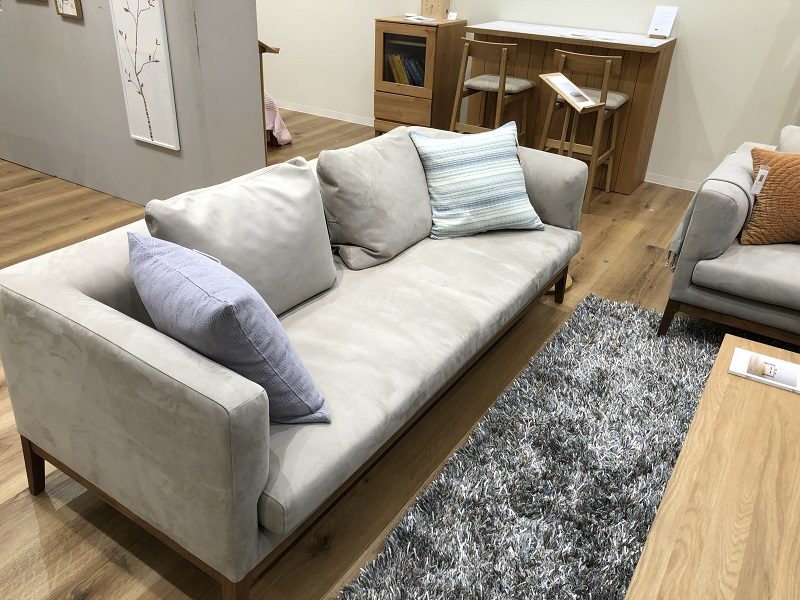 高野木工フラッチェというシリーズのソファ