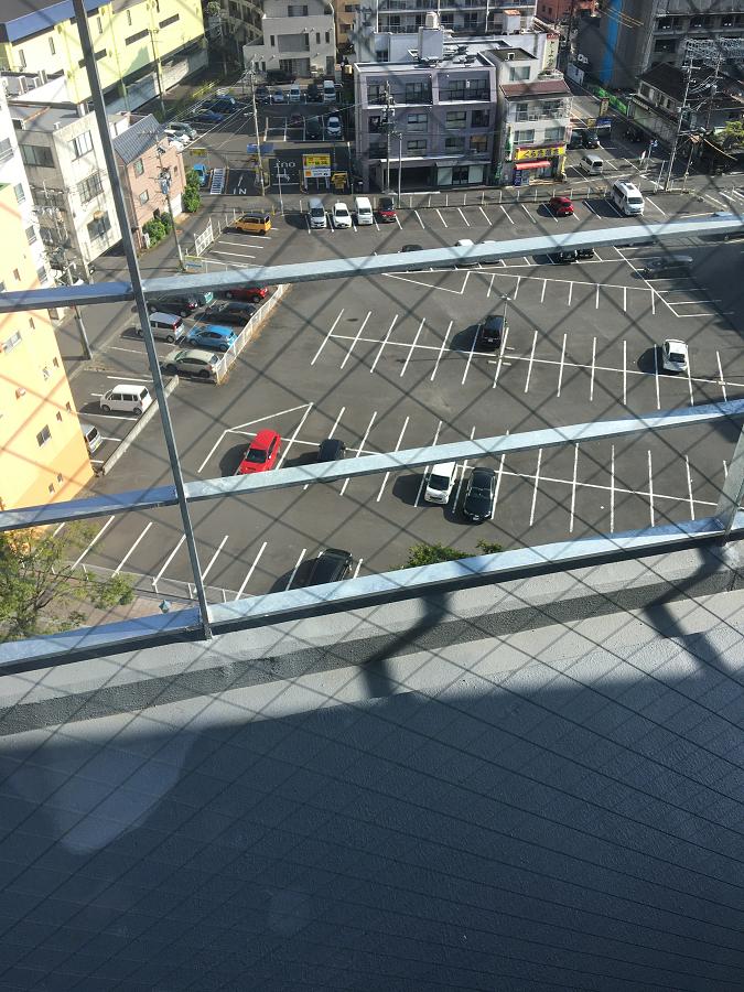 スーパーホテル別府駅前の前にあるコンパーキング