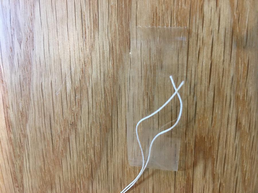 テープを縦に貼ったところ