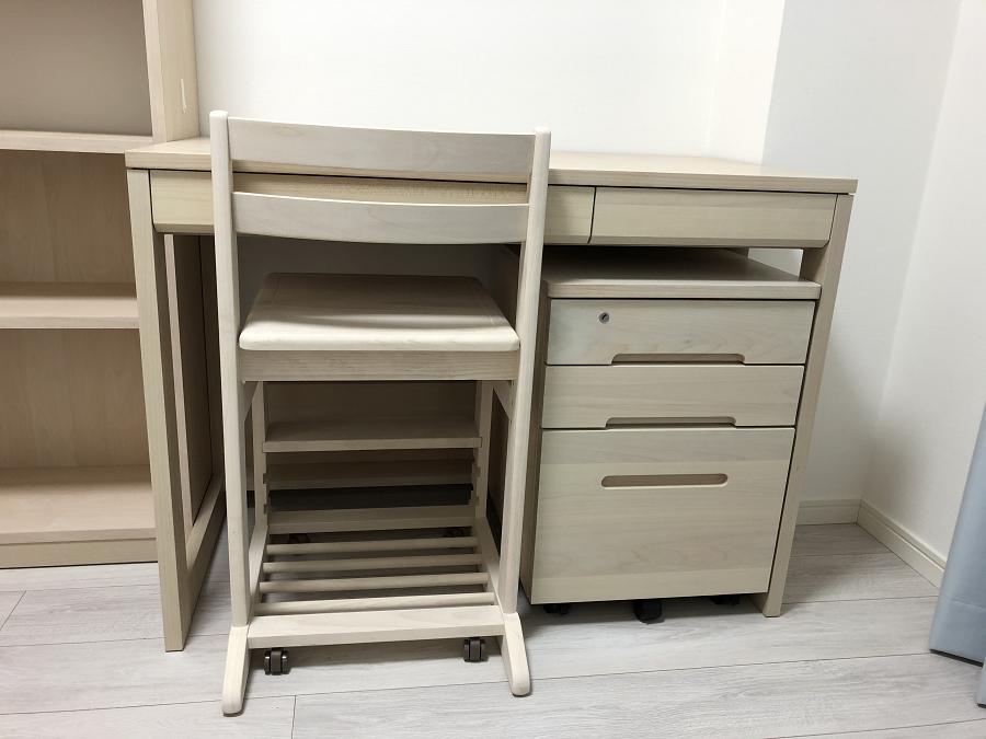 堀田木工の机のアップした画像